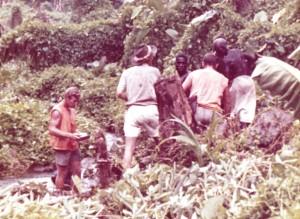 bougainville 1968_Geoff Scott Kiap Warren struggle cropped